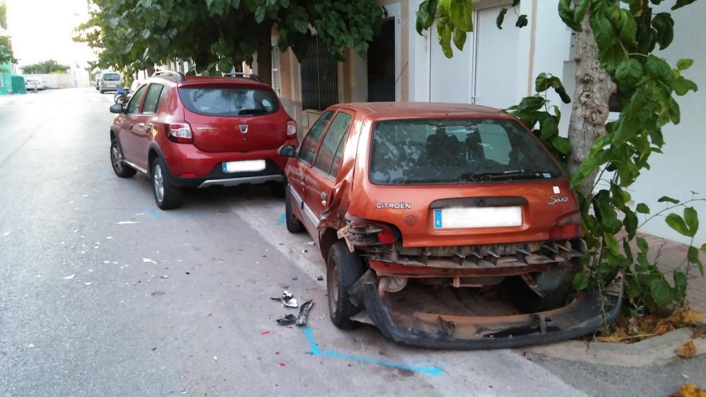 Imagen de los coches afactados (Foto: Policía Local de Ciutadella)