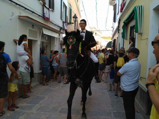 (Fotos y vídeos) 'Molta bulla' en el día grande de  Sant Martí