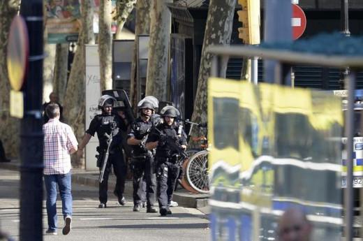 Fuerzas de seguridad tras el atentado.