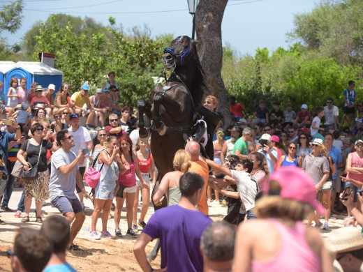 Sigue la fiesta en Llucmaçanes