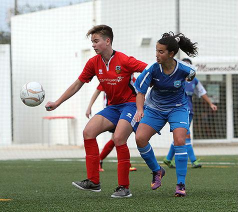Acción de un partido del Sporting de Mahón (Fotos: deportesmenorca.com)