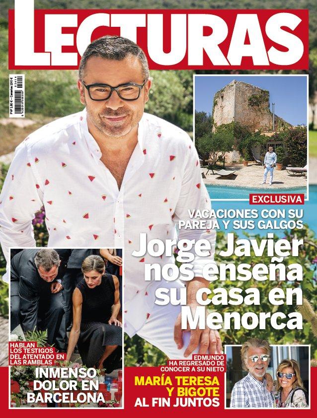 Portada de la revista con el presentador en Menorca.