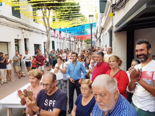 """(Fotos) """"Berenar"""" y salida del pregonero popular en Maó bajo la amenaza de lluvia"""