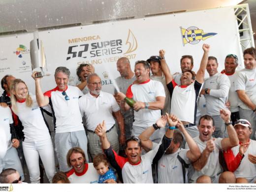 La falta de viento da al Azzurra el mundial de 52 Superseries