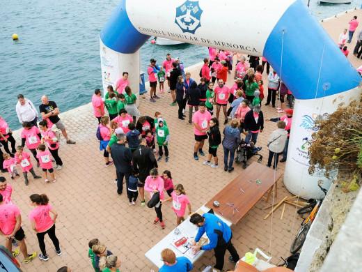 (Galería de fotos) Es Castell marcha contra el cáncer