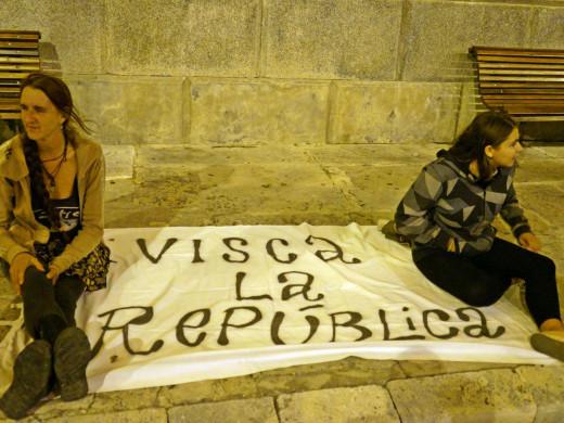 Apenas 50 personas protestan en Maó contra la aplicación del 155