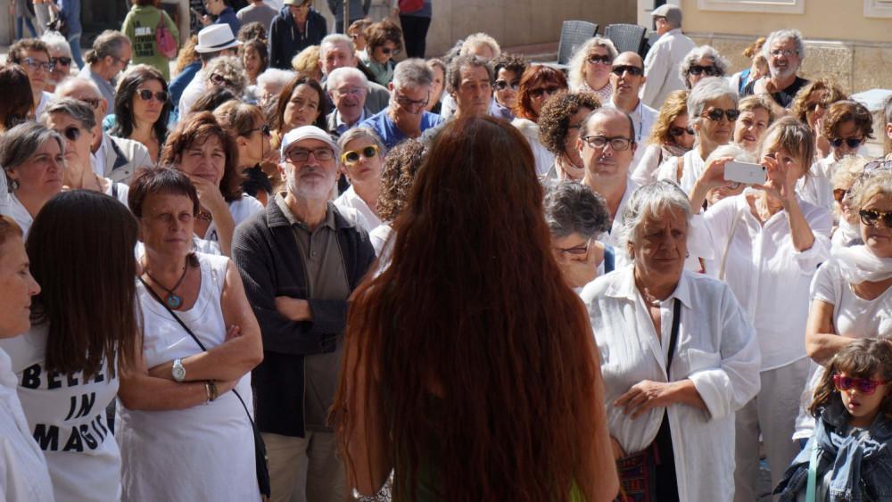 Momento de la concentración en Maó (Fotos: Ferrán Herrera)