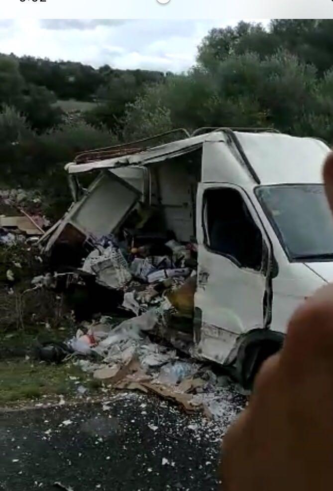 Imagen de cómo quedó la furgoneta accidentada.