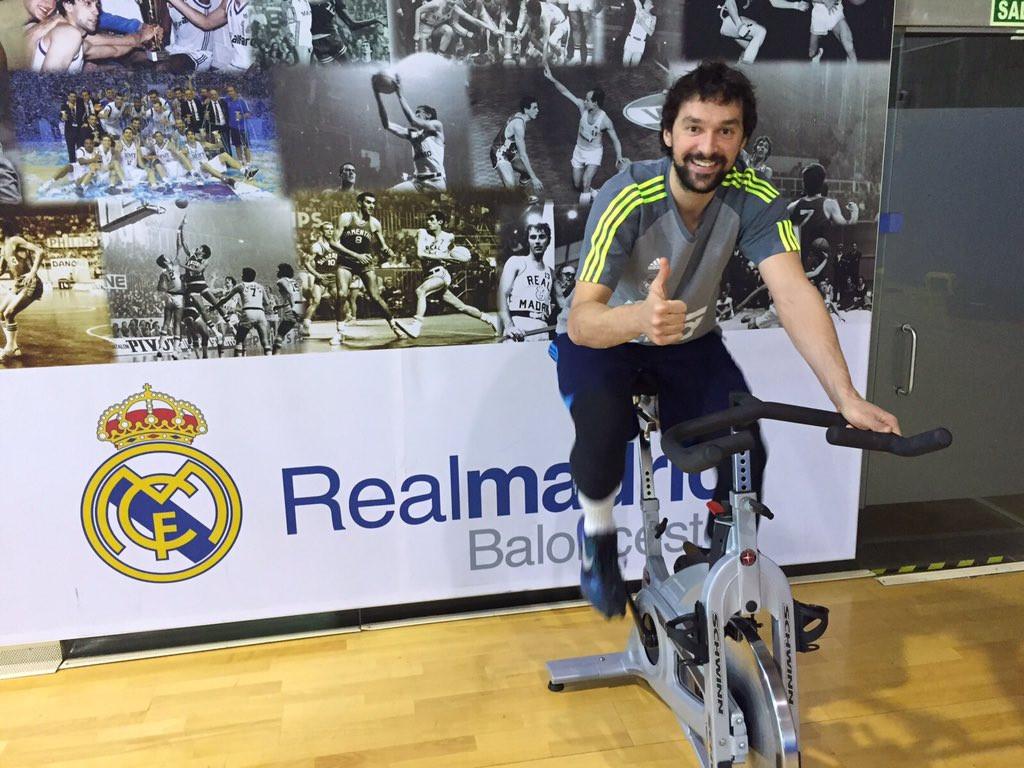 Llull, haciendo ejercicios en la Ciudad Deportiva.