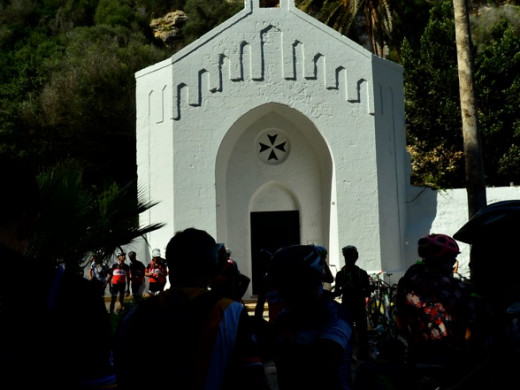 (Galería de fotos) La Volta a Menorca en BTT echa a rodar