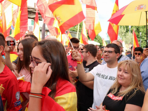 (Fotos y vídeo) Y cientos de personas más por la unidad de España