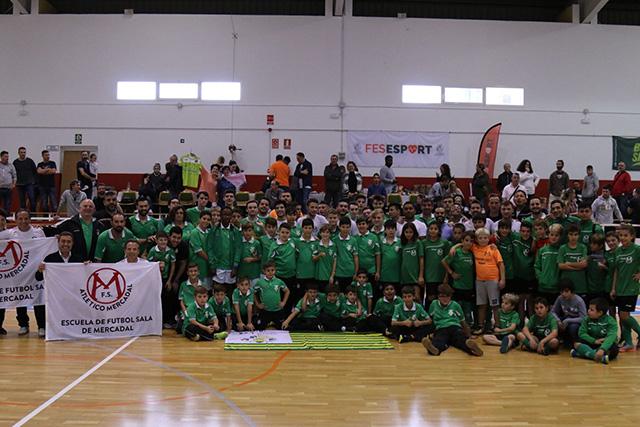 Foto de familia de los participantes en la jornada (Fotos: deportesmenorca.com)