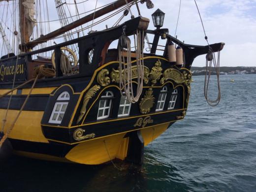 (Galería de fotos) El bergantín La Grace recala en Menorca