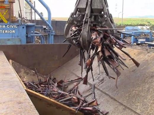 (Fotos) La Guardia Civil destruye 1.500 armas depositadas en Intervención