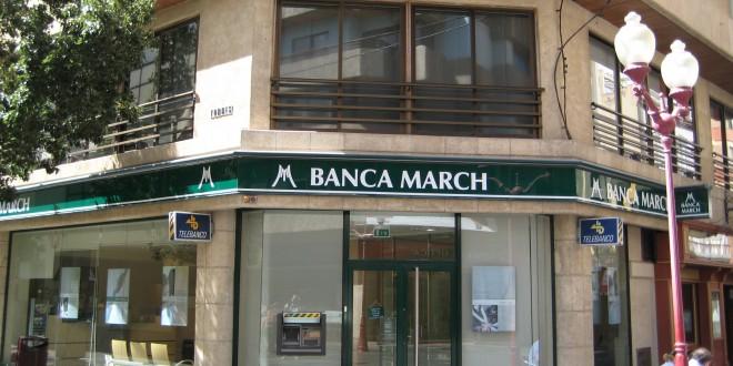 Fachada de una oficina de la Banca March.