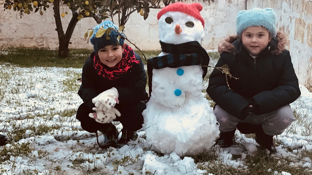 Los niños, los que más han disfrutado con la nieve (Fotos: Diana Alonso):