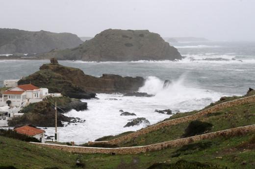 Imagen del temporal en Sa Mesquida (Foto: Tolo Mercadal)
