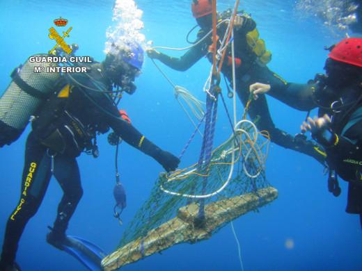 Fue hallado a 30 metros de profundidad.