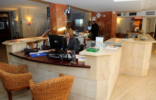El personal empleado en los establecimientos hoteleros de Baleares pasó de 62.449 a 62.796