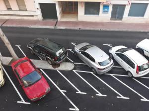 Vehículos estacionados.