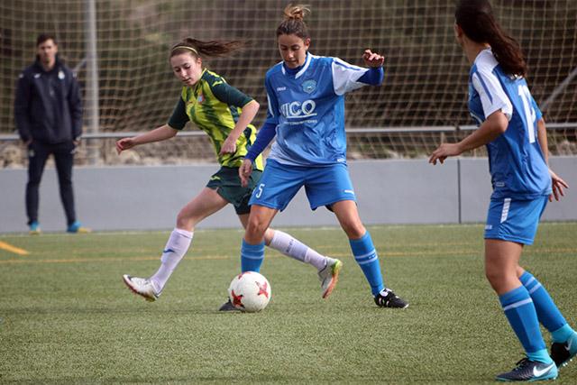 Clara Villanueva, en una acción del partido ante el Espanyol (Foto: deportesmenorca.com)