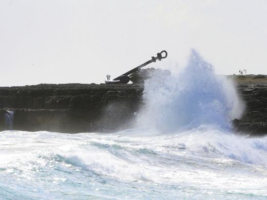 Olas en la Costa Sur de Menorca (Foto: Tolo Mercadal)