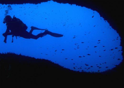 Las cuevas subterráneas son uno delos atractivos del buceo en la isla