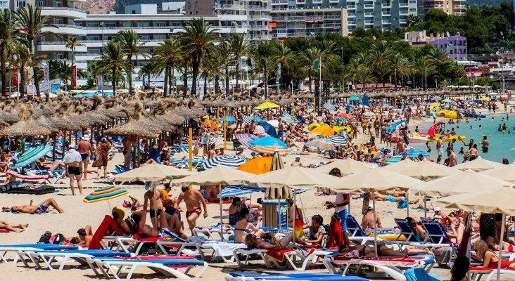 La mayoría de puestos de trabajo en Baleares beben de la industria turística.