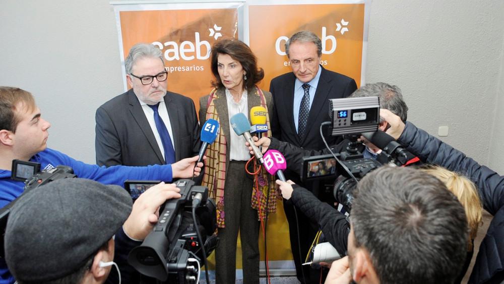 Carmen Planas con JOan Melis y José Guillermo Díaz.