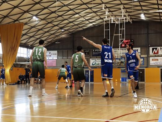 (Fotos) El Bàsquet Menorca mete la quinta