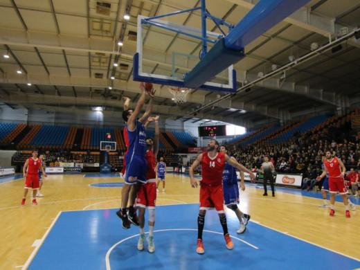 (Fotos) El Bàsquet Menorca va muy en serio