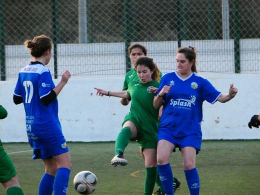 (Galería de fotos) Pasión por el fútbol femenino en Sant Lluís