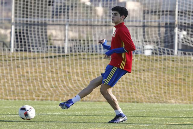 Sintes, en un entrenamiento con España.