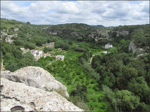 La cueva se encontró en la pared de uno de los barrancos de Ferreries (Foto: Tolo Mercadal)