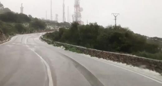 Imagen de la carretera nevada a primera hora de la mañana (Foto: Meteo Menorca)
