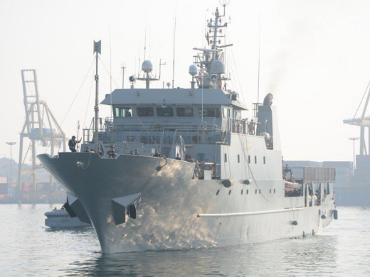"""(Fotos) Llegan a Menorca la fragata """"Navarra"""" y el patrullero """"Tarifa"""""""