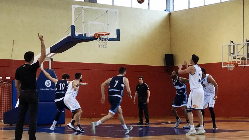 Tiro libre de Andreu Matalí (Fotos: Bàsquet Menorca)