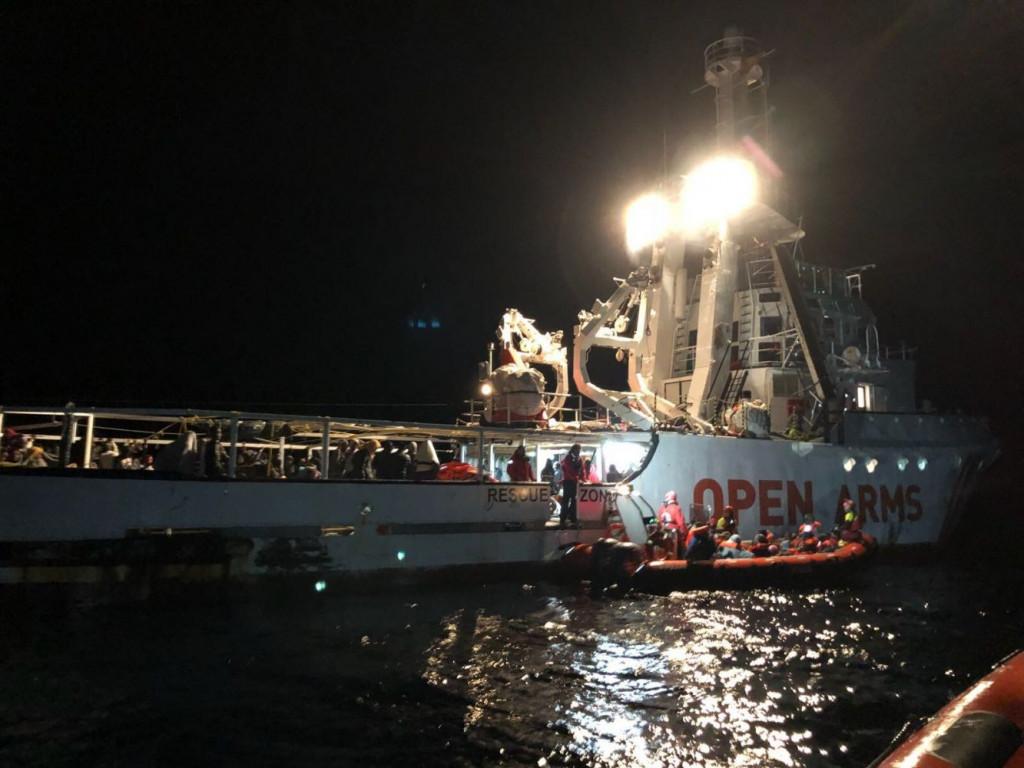 Imagen del barco de la ONG retenido por las autoridades italianas.