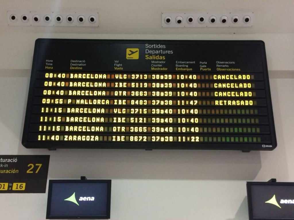 Facturación de maletas en el aeropuerto de Menorca