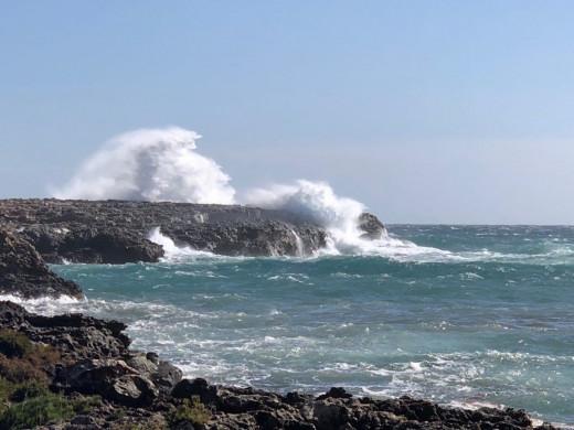 Imagen de las olas en Binisafua (Foto: M. Angeles Ricart)