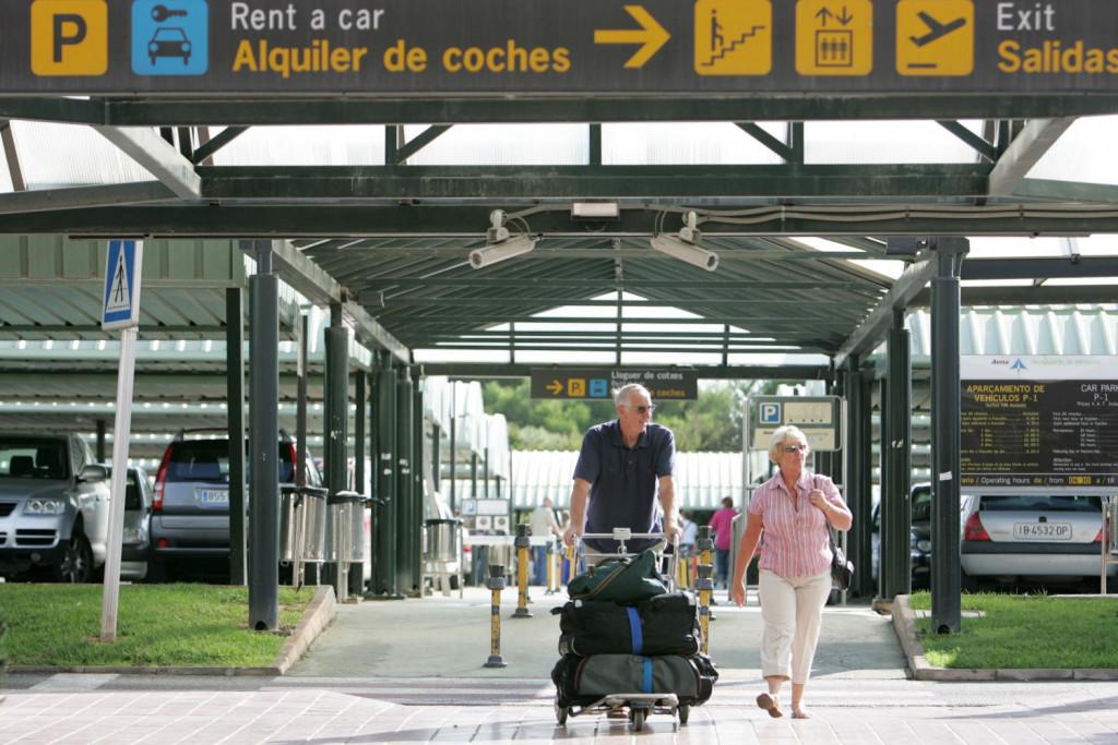 Parking del aeropuerto.