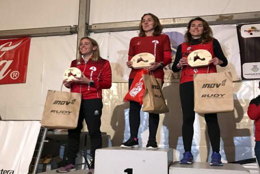 Fiol (izquierda) y Ameller (centro), en el podio (Foto: Marta Bacardit)