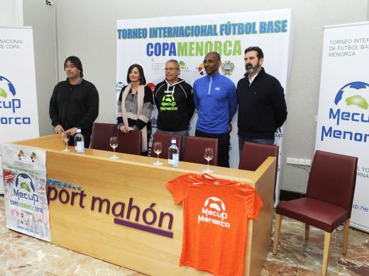 (Fotos) El mejor fútbol base del mundo se cita en Menorca