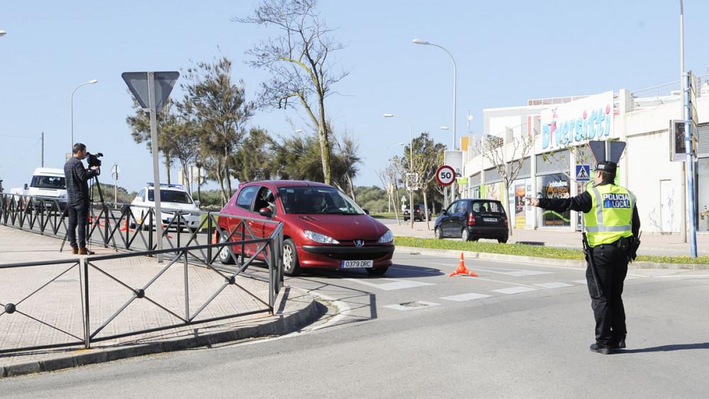 control policia local en via ronda de mao