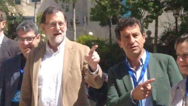 Mariano Rajoy, junto a Biel Company.