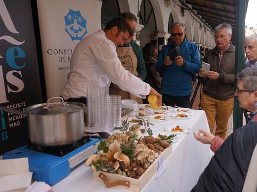 (Fotos) La Fira Arrels sirve el primer plato en Ciutadella