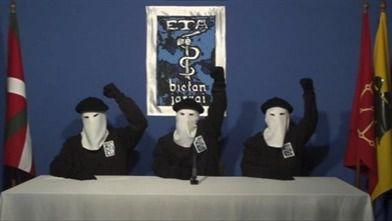 La banda terrorista pide perdón por el sufrimiento ocasionado.