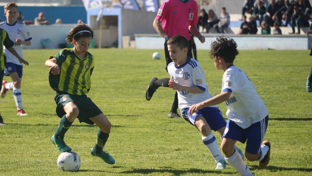 Imagen de la final entre Espanyol y Schalke (Foto: deportesmenorca.com)