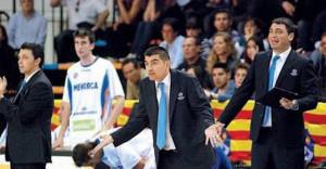 Toni Pons, a la izquierda, junto a Berrocal y Pagès.
