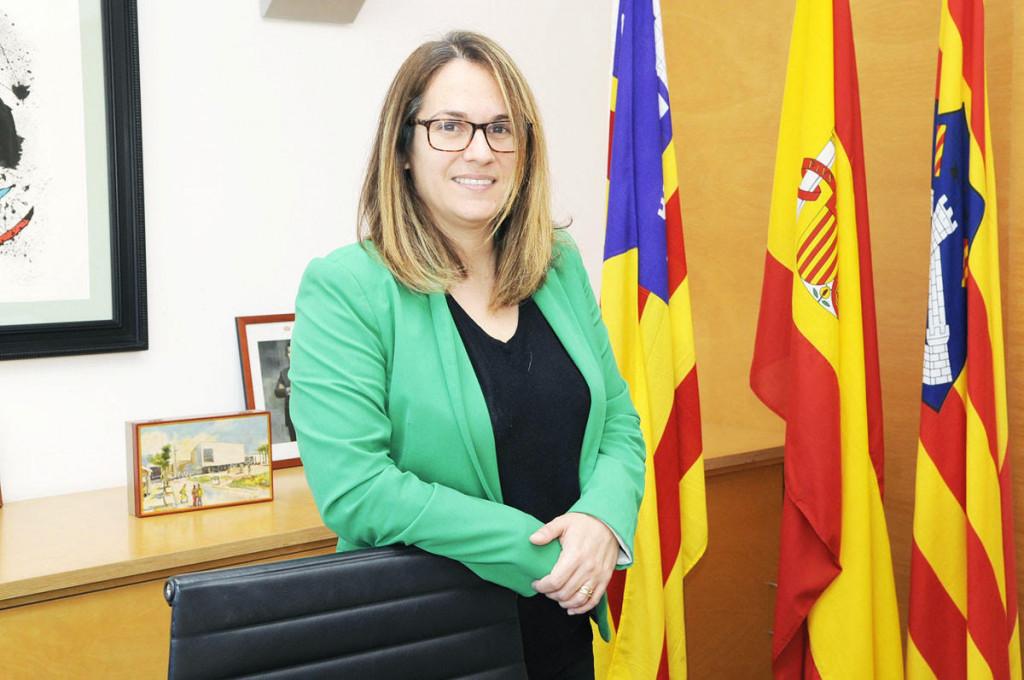 Susana Mora, presidenta y consellera de Turismo del Consell de Menorca (Foto: T.M)